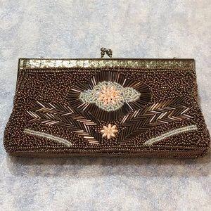 Unique Vintage beadedpurse with kiss lock frame
